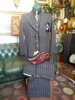 Superb Vintage 1970s Jackson Mobster Gangster Mafia 3 Piece PinStripe Suit.Small