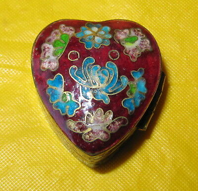 Small Antique Chinese Cloisonne Enamelled Brass Heart Shaped Snuff /Pill Box
