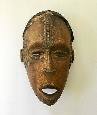 Hand Carved Wood African Face Mask Tribal Detailed Old Estate Pre 1940
