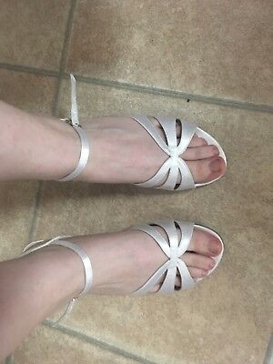 White Low Heel Wedding Bridal Satin Formal strappy Shoes size 6