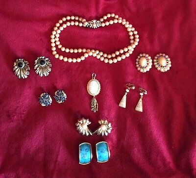 Lot of 8 Estate Costume Jewelry Pieces Neclace Earrings and Pendant