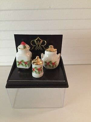 Dollhouse Miniatures Reutter Porcelain Christmas Pattern, Canisters, New, 1:12