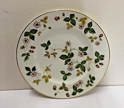 """Wedgwood WILD STRAWBERRY Salad/Dessert Plate 8-1/8""""  NICE More items Available"""