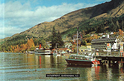 New Zealand  -  Queenstown - Situated in the shores of Lake Wakatipu