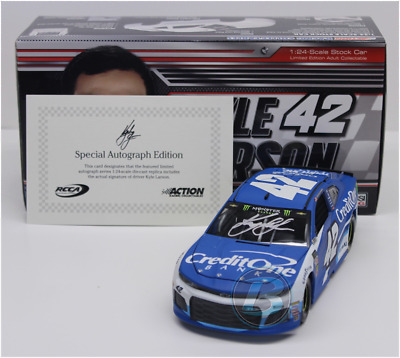 Signed 2018 Kyle Larson #42 Credit One Bank Autographed 1/24  Car