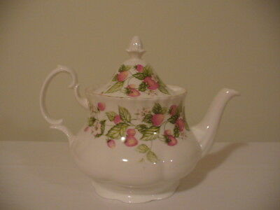 Royal Albert Teapot Lyndale Pattern As New Never Used Excellent Condition