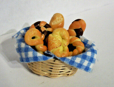 Dollhouse Miniatures Basket of Bread 6 Fairy Food Barbie LPS Critters Silvanian