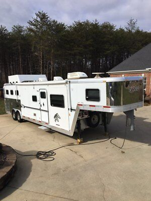 2005 Exiss All Aluminum Horse Trailer *Mint Condition*