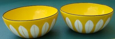 """2 Cathrineholm LOTUS White on Yellow 4"""" Bowls in very nice condition"""