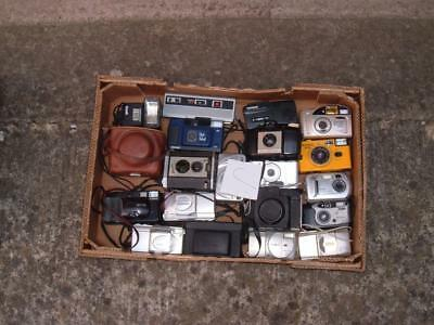 A Job Lot Of Mixed 35Mm Film Cameras Etc Not Tested (Lot C)