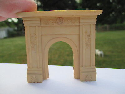 """Dollhouse Miniatures ~ 1/2"""" Half Inch Scale ~ Resin Fireplace"""