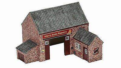 Hornby The Village Garage R9855 OO Scale (suit HO also)