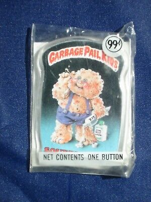 Vintage Garbage Pail Kids Button SQUEEZE ME! - Sealed