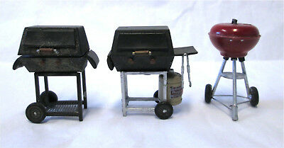 Dollhouse Miniature Hibachi BBQ Grill w Burgers and Franks for 1:12 Barbeque