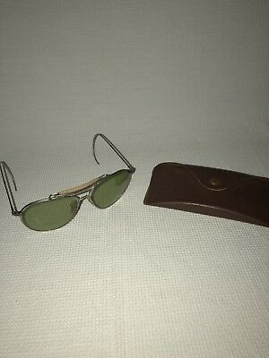 087b82afc8 Vintage Bausch   Lomb Ray Ban Aviator Sunglasses w  Pebbled Leather Case