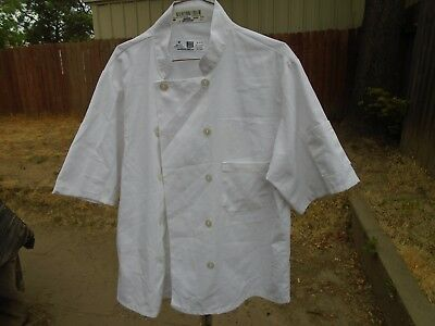 Chef Coats 3 White Short Sleeve Chef Coats size Large $12.00 for All 3 Coats