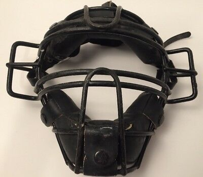 Wilson A3055 umpire mask. Steel cage. Vintage used mask.