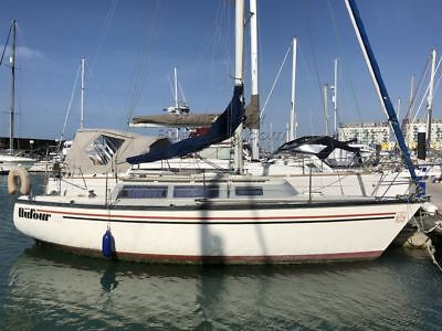 Dufour 2800 sailing yacht boat