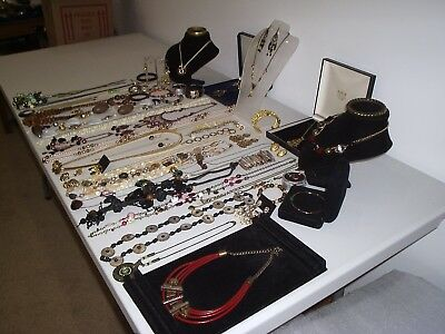 Large Job Lot Of Vintage & Costume Jewellery Necklaces Bracelets Earrings (P)