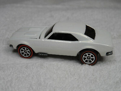 Hot wheels loose '67 Chevy Camaro /pearl white with red striped 7 spk.