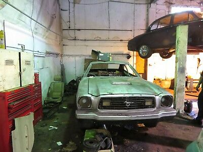 Ford Mustang 1979 Barn Find