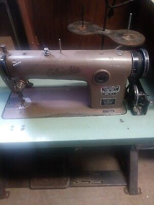 Columbia Universal Commercial Sewing Machine Model 440-2