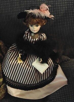 """Madame Alexander Toulouse Latrec Doll 21"""" with beautiful hat, rings, boa & purse"""