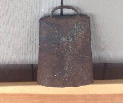 Very Loud Antique Farm Animal COW BELL With Nice Patina From NW Ar.