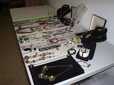 Large Job Lot Of Vintage & Costume Jewellery Necklaces Bracelets Earrings (X)