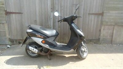 2005 Peugeot 50cc Vivacity Compact Moped Automatic