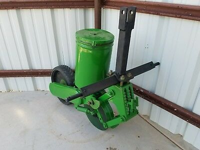 1 Row John Deere 71 Flex Food Plot Sweet Corn Planter SHIPS UPS to home or bus.