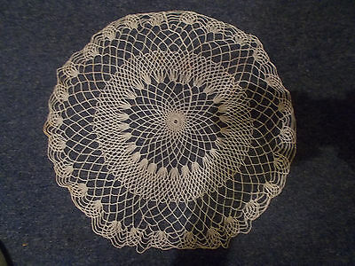 True Vintage Beautiful round lace hand crocheted tablecloth 48cm cream/beige