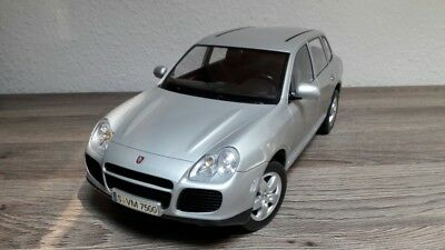 Porsche Cayenne Turbo Carson Collectors Line 1:12