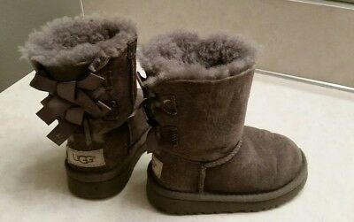 MUST SELL LOW PRICE!!! toddler girls gray UGG boots size 6