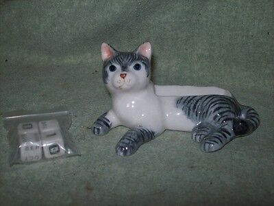 Porcelain cat figurine  - gray and white tabby - perpetual calendar