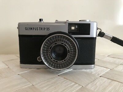 Olympus Trip 35 Compact Film Camera 40mm f2.8 lens original case