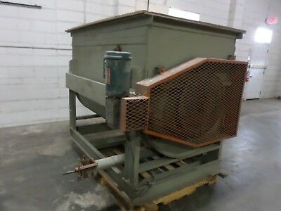 Horizontal Ribbon Blender, mixer, 60 Cubic ft. capacity  with discharge screw