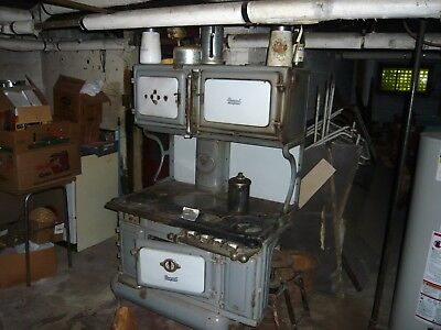 Antique stove working