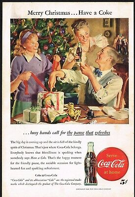 1940s Original Vintage Coca Cola Family Wrapping Christmas Gifts Art Print Ad