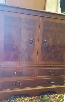 Antique Reproduction Mahogany Cabinet - in very good condition