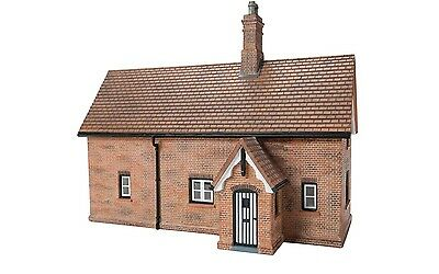Hornby Garden Cottage R9805 OO Scale (suit HO also)