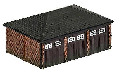 Hornby Triple Garage R9812 OO Scale (suit HO Also)