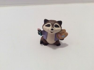 "Hallmark 1989 Merry Miniatures CUTE RACCOON ARTIST 1 1/4"" Plastic MINI FIGURE"