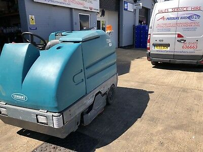 Tennant 7300 Ride On Scrubber Dryer Spares Or Repair