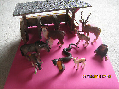 Schleich Stable and animal lot, llama, chimp, snake, etc
