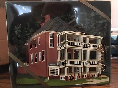 """Shelia's """"The Margaret Mitchell House"""" """"Gone With the Wind"""" Wooden Figure"""
