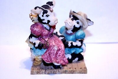 """Vintage  1994 Ganz Cowtown """"Romecow & Mooliet"""" Cow Figurine Collectible CT037"""