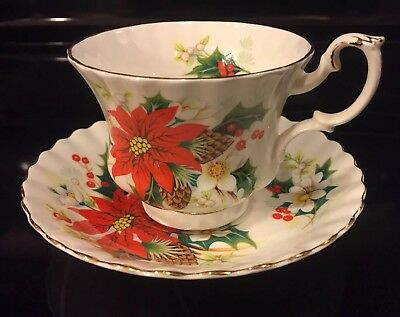 Royal Albert Poinsettia Tea Cup & Saucer Bone China England 1976 Yuletide Xmas