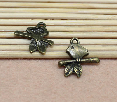 Free Shipping 16x16mm Ancient Bronze Exquisite Cute Small Bird Charm Pendant 30