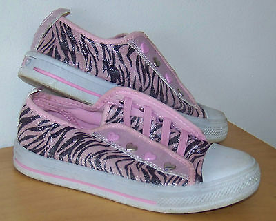 Girls Pink Tiger Striped Slip On Canvas Shoes Size 1.